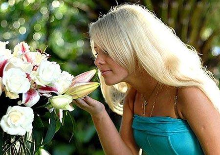 Как выбрать и подарить цветы девушке